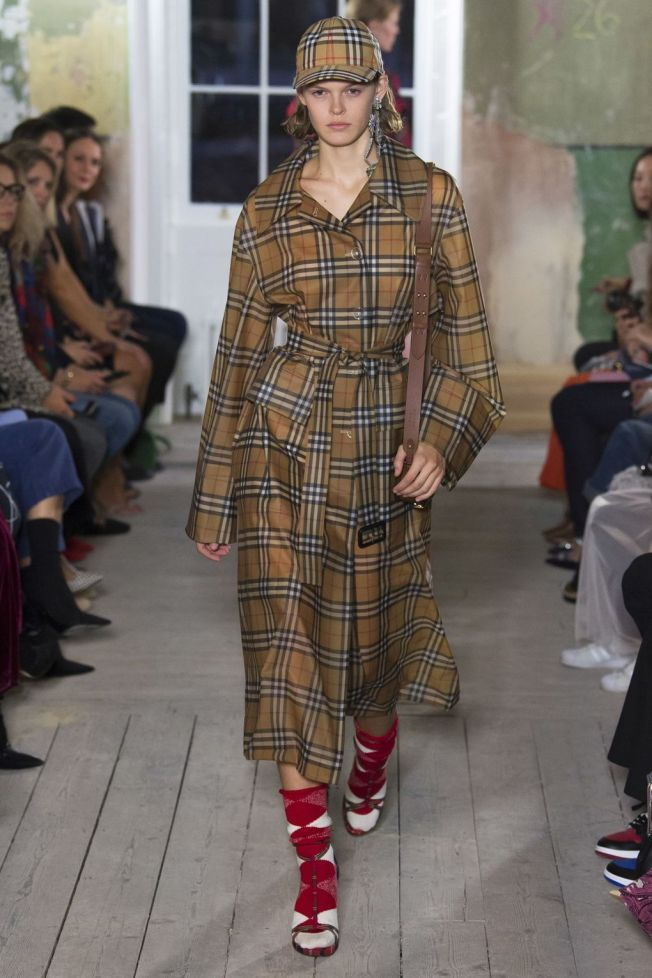 burberry- trench dressing